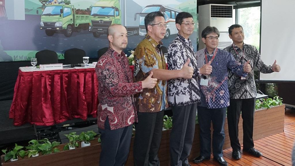 Manajemen PT Hino Motor Sales Indonesia.