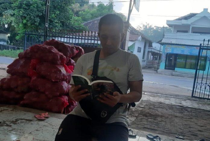 Buku biografi Wayan Supadno