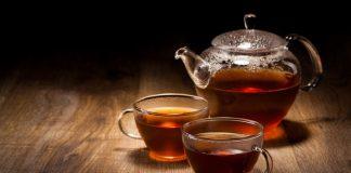 Keberadaan feofirbid dan feofitin sangat mempengaruhi warna cokelat dan hitam pada teh hitam.