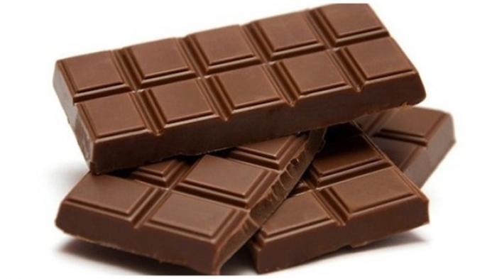 Pengemasan dimaksudkan untuk menjaga aroma, citarasa, dan tampilan produk-produk makanan cokelat.