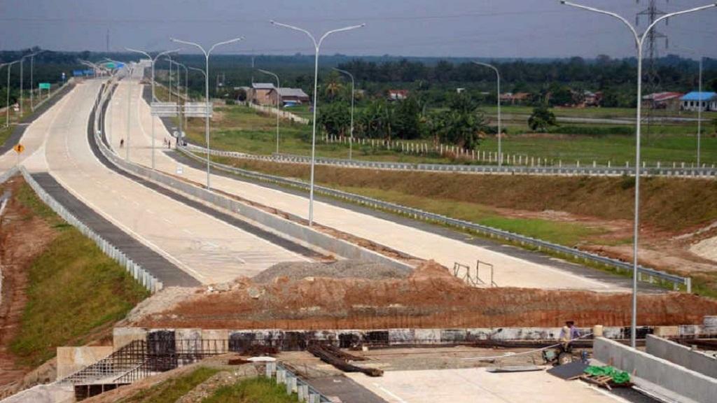 Pembangunan jalan tol Bengkulu – Lubuklinggau sepanjang 95,8 km.