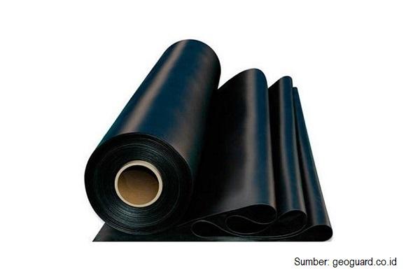 Daya tahan penggunaan plastik geomembrane HDPE sebagai pelapis tambak udang sekitar 3-5 tahun.