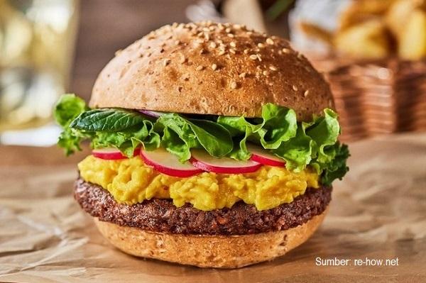Hobotama dapat diolah menjadi telur urak-arik (scrambled eggs), burger dengan telur orak-arik (plant-base scramble burger), dan sebagainya.